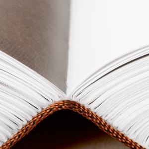livre réalisation Snel - reliure cartonée avec tranchefiles